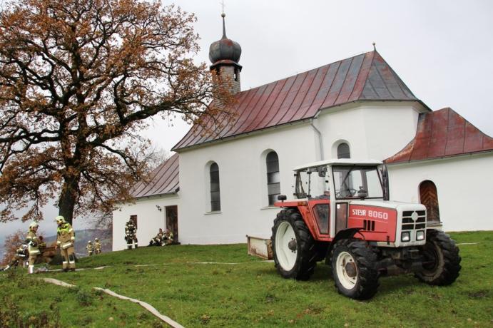 Brand der Grattenbergl-Kapelle -  Abschnittsübung der Feuerwehr