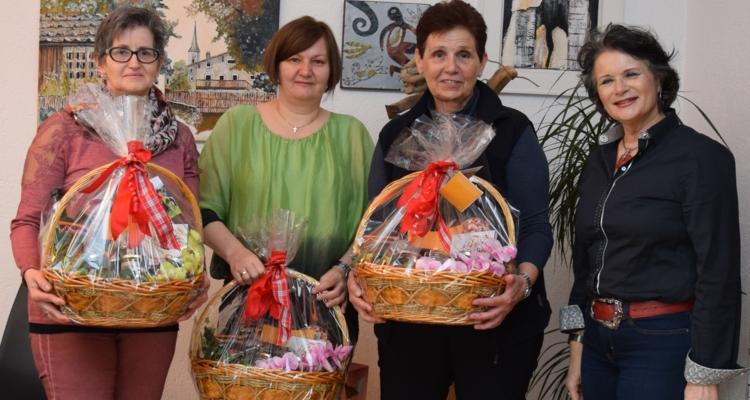 """Bürgermeisterin gratuliert Mitarbeiterinnen zum """"Runden"""""""