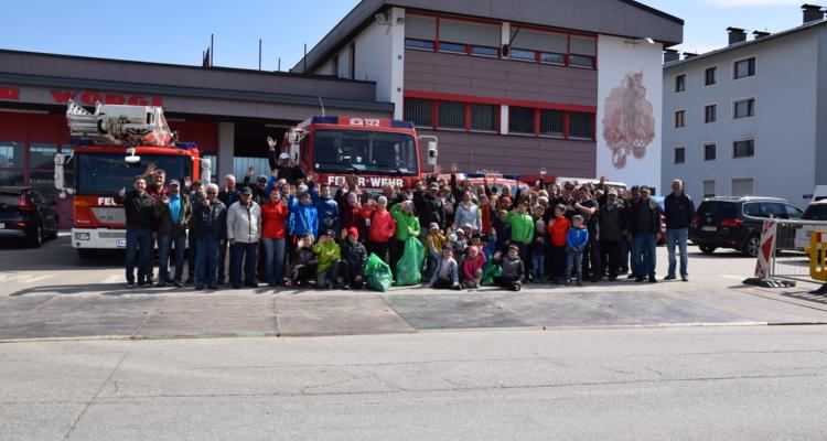 Fleißige Helfer sammelten 2,5 Tonnen Müll