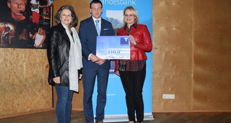 Großzügige Spende der Hypo Tirol Bank