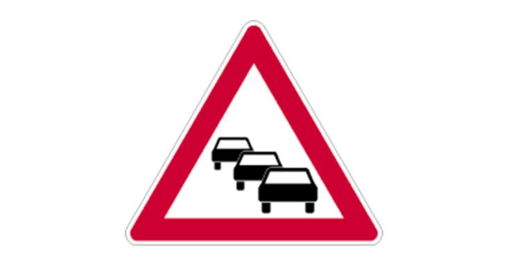 Verkehrsbehinderung Straßenbauarbeiten