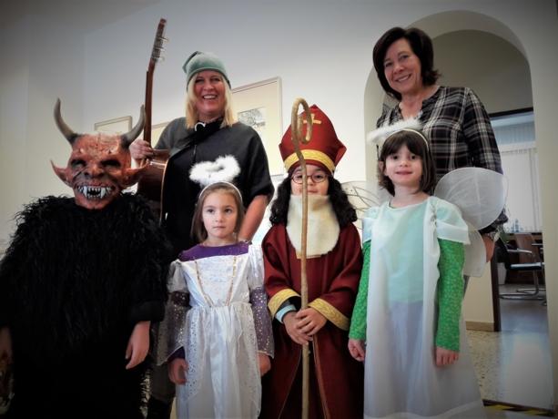 Sankt Nikolaus auf Besuch im Stadtamt