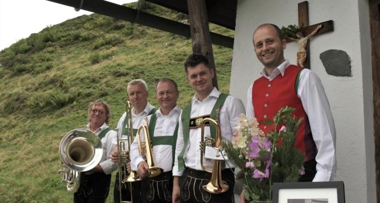 """Stimmungsvolle Bergmesse und """"fideler"""" Frühschoppen"""