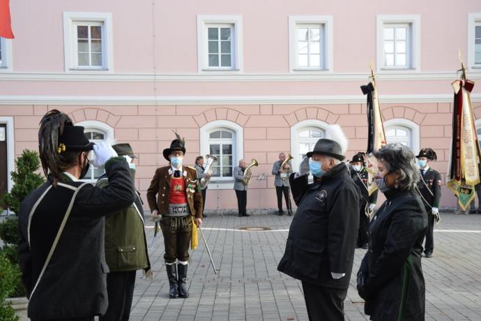 Traditionsvereine gedenken Opfern beider Weltkriege